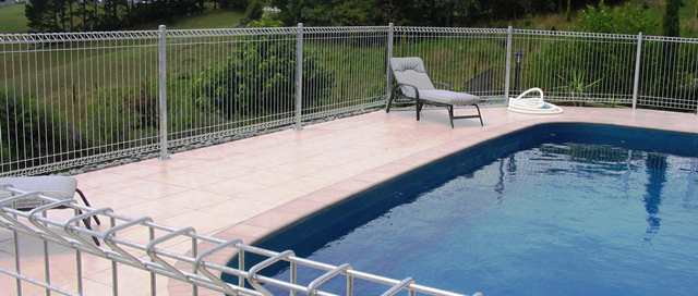 Cyclone Wire Pool Fence